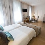 habitacion junior suite bed and chic las palmas
