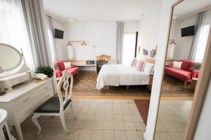 habitacion superior hotel bed and chic las palmas